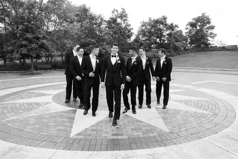 Kristin-La-Voie-Photography-Independence-Grove-Chicago-Wedding-Photographer-102-2