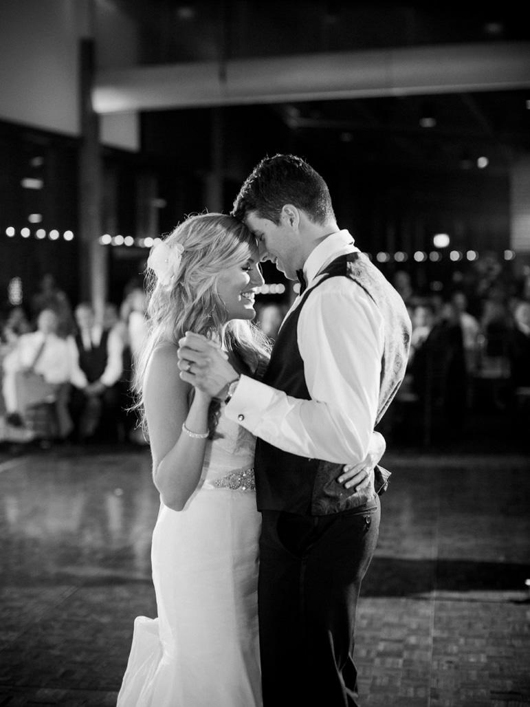 Kristin-La-Voie-Photography-Independence-Grove-Chicago-Wedding-Photographer-106