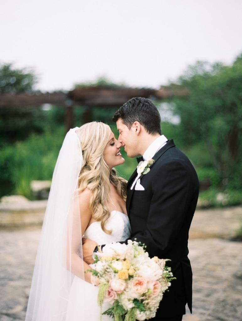 Kristin-La-Voie-Photography-Independence-Grove-Chicago-Wedding-Photographer-34