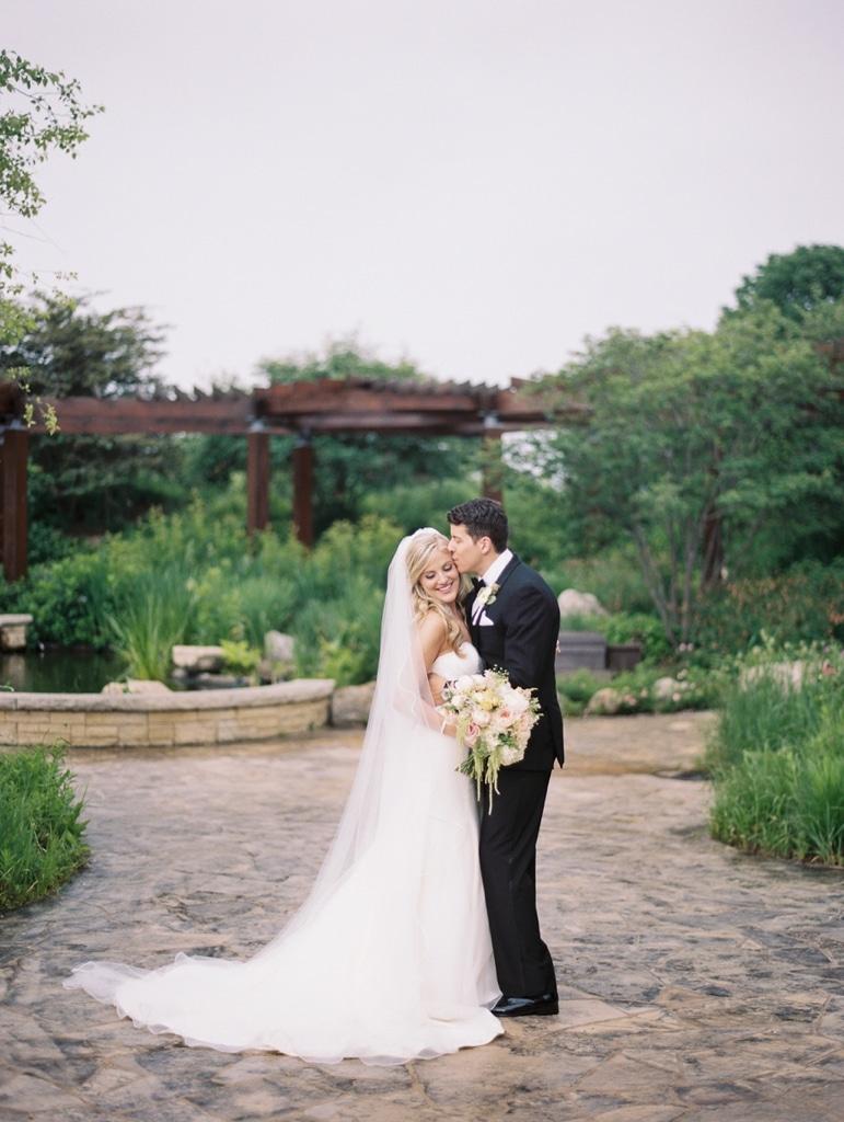 Kristin-La-Voie-Photography-Independence-Grove-Chicago-Wedding-Photographer-65