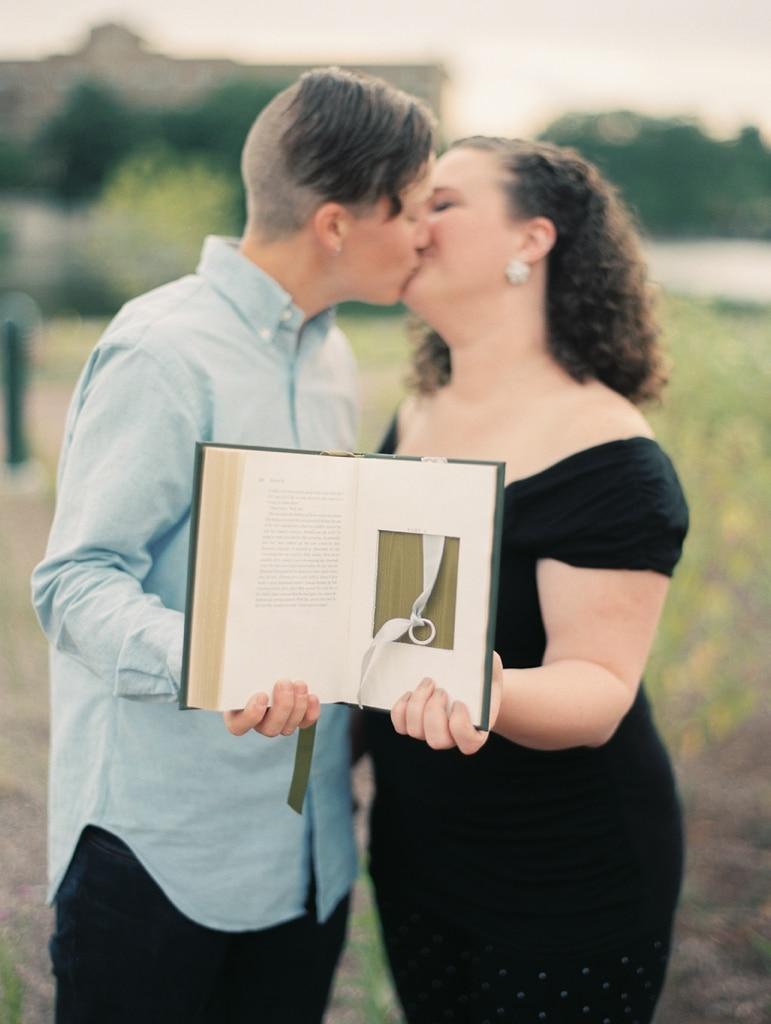 Kristin-La-Voie-Photography-St-Charles-Engagement-14