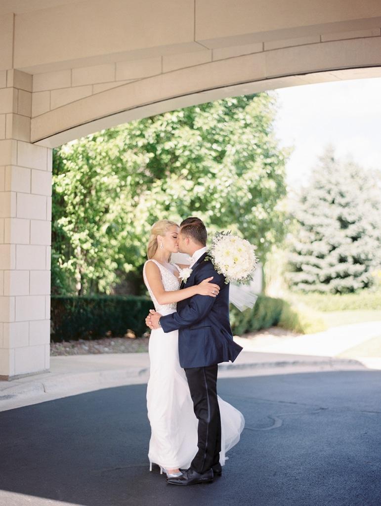 Kristin-La-Voie-Photography-Crystal-tree-country-club-chicago-wedding-photographer-1-3