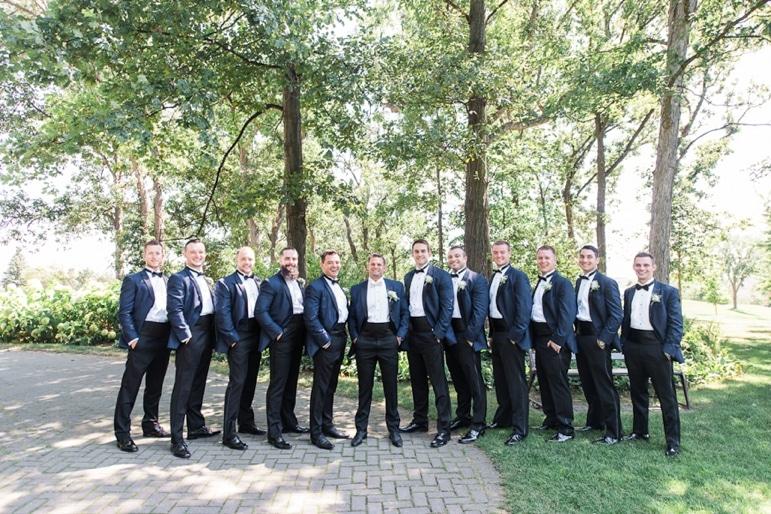 Kristin-La-Voie-Photography-Crystal-tree-country-club-chicago-wedding-photographer-1-4