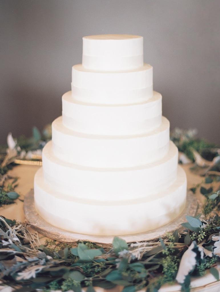 Kristin-La-Voie-Photography-Crystal-tree-country-club-chicago-wedding-photographer-108