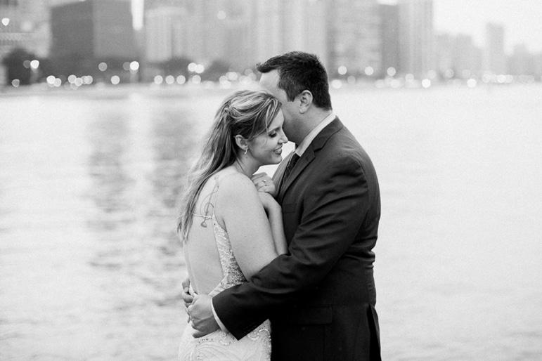 Kristin-La-Voie-Photography-Chicago-Engagement-State-street-olive-park-15