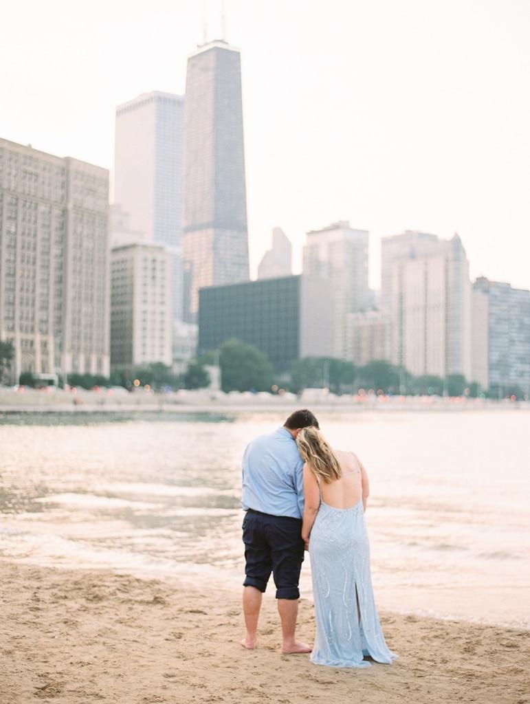 Kristin-La-Voie-Photography-Chicago-Engagement-State-street-olive-park-16