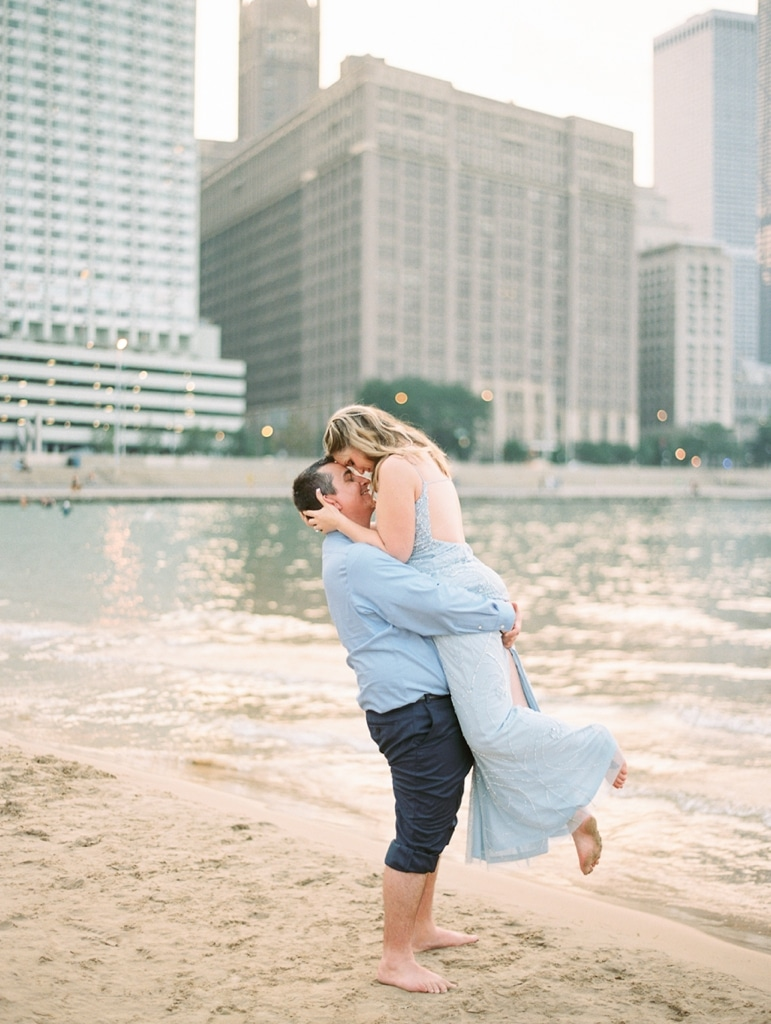 Kristin-La-Voie-Photography-Chicago-Engagement-State-street-olive-park-24