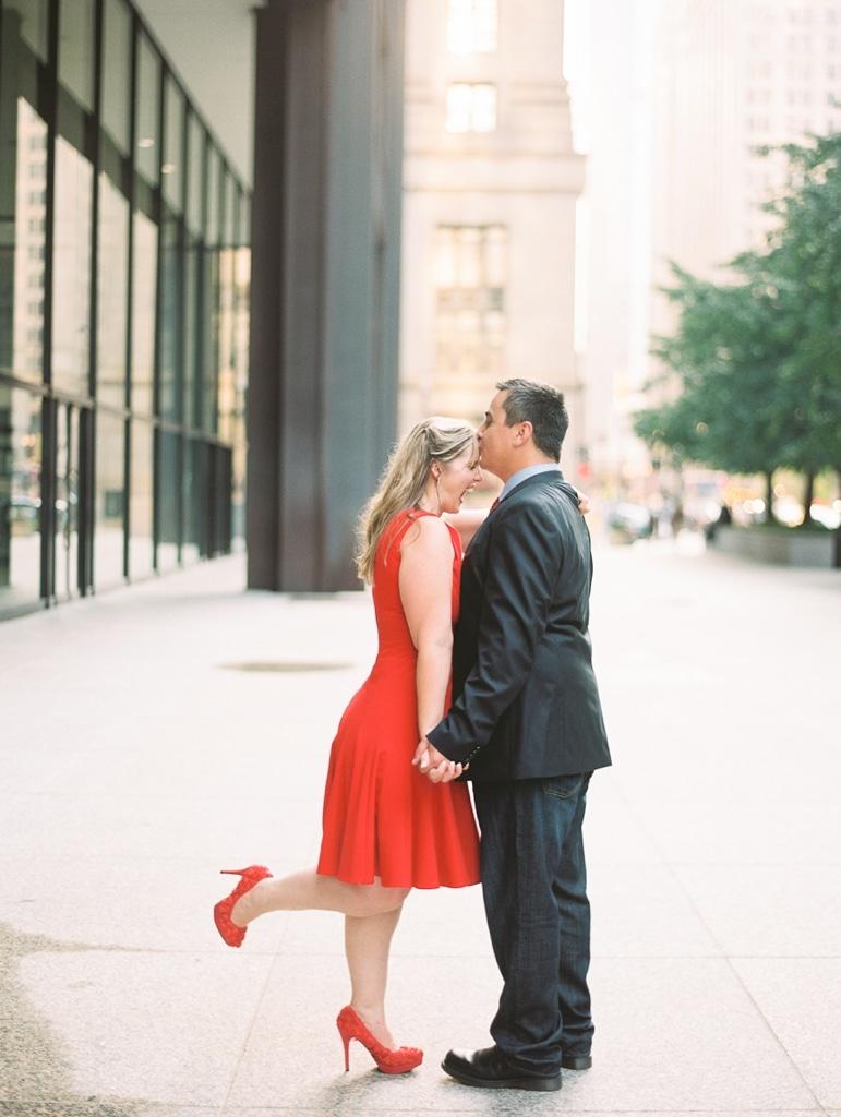 Kristin-La-Voie-Photography-Chicago-Engagement-State-street-olive-park-25
