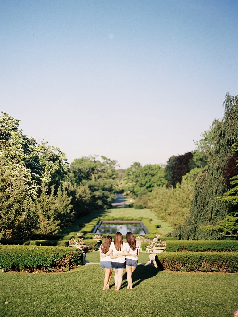 Kristin-La-Voie-Photography-Cantigny-Sisters-Session-17