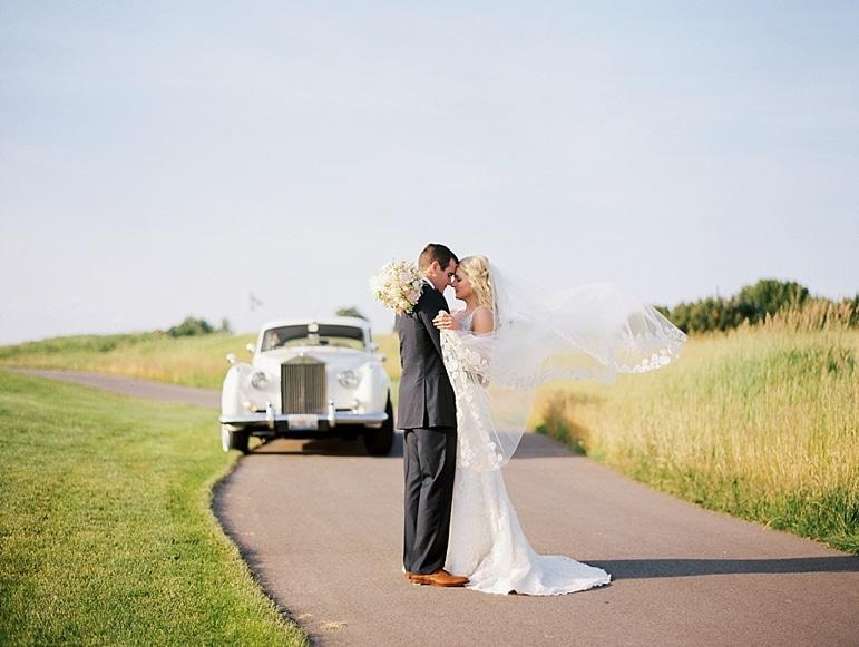 Kristin-La-Voie-Photography-Conway-Farms-Wedding-144