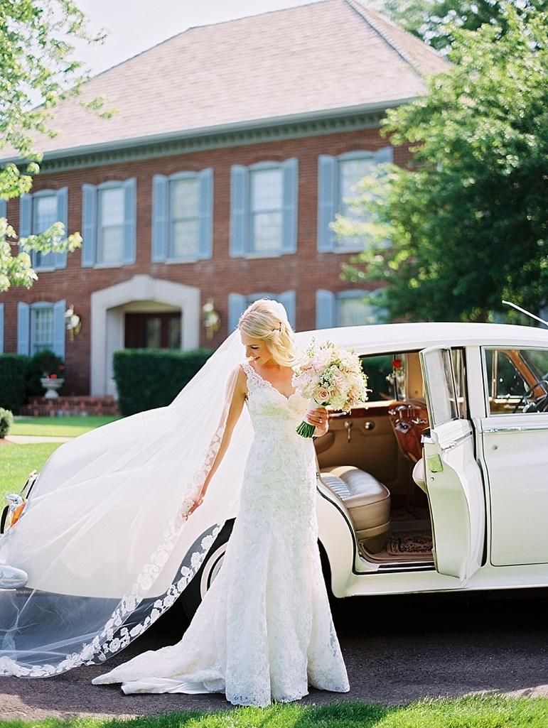 Kristin-La-Voie-Photography-Conway-Farms-Wedding-68