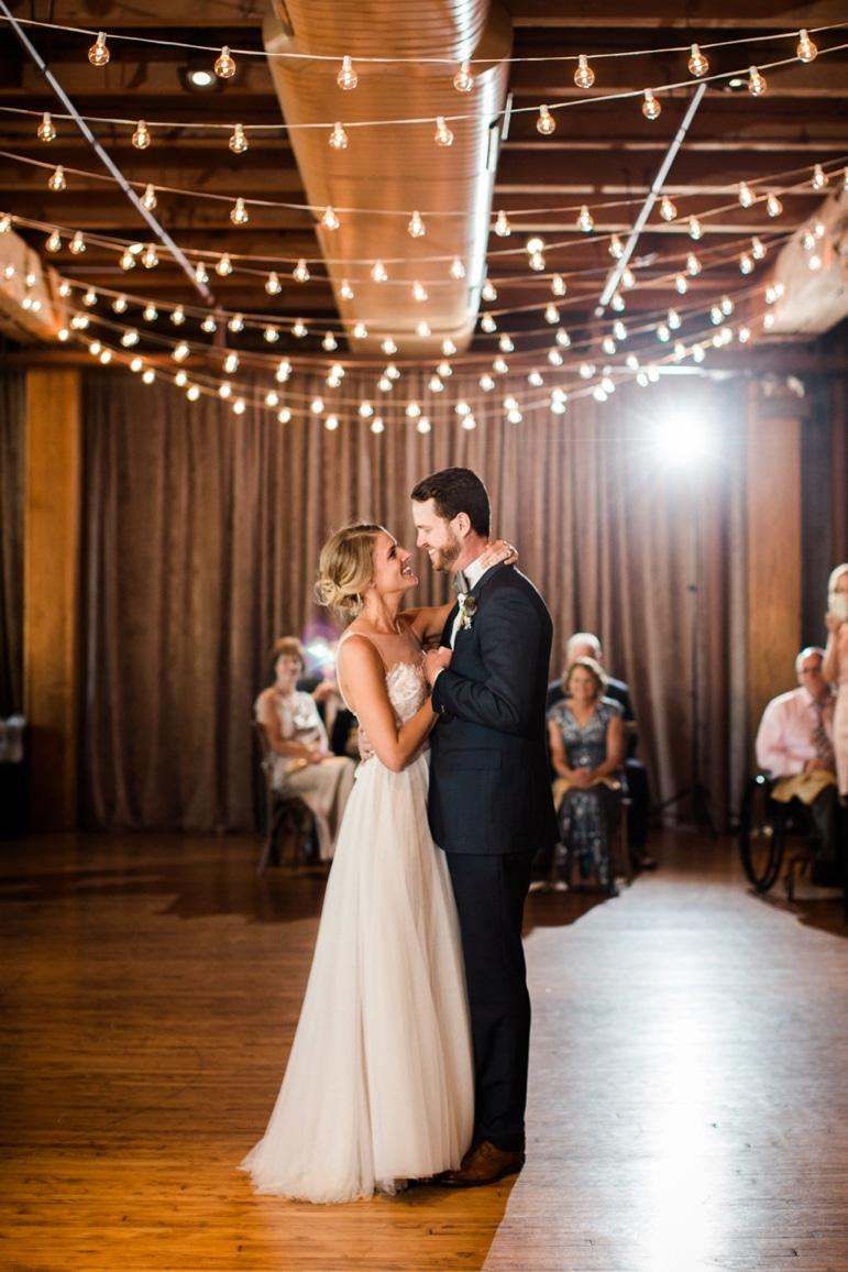 Kristin-La-Voie-Photography-Bridgeport-Art-Center-Chicago-Wedding-Photographer-127