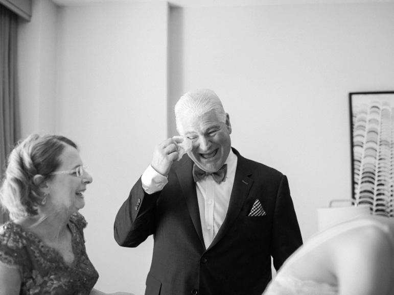 Kristin-La-Voie-Photography-Bridgeport-Art-Center-Chicago-Wedding-Photographer-17