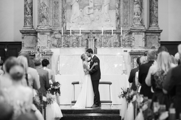 Kristin-La-Voie-Photography-Bridgeport-Art-Center-Chicago-Wedding-Photographer-23