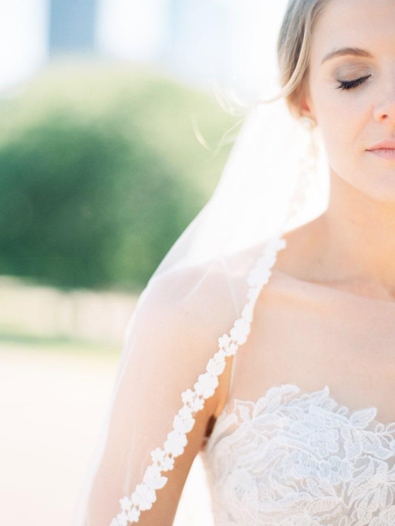 Kristin-La-Voie-Photography-Bridgeport-Art-Center-Chicago-Wedding-Photographer-47