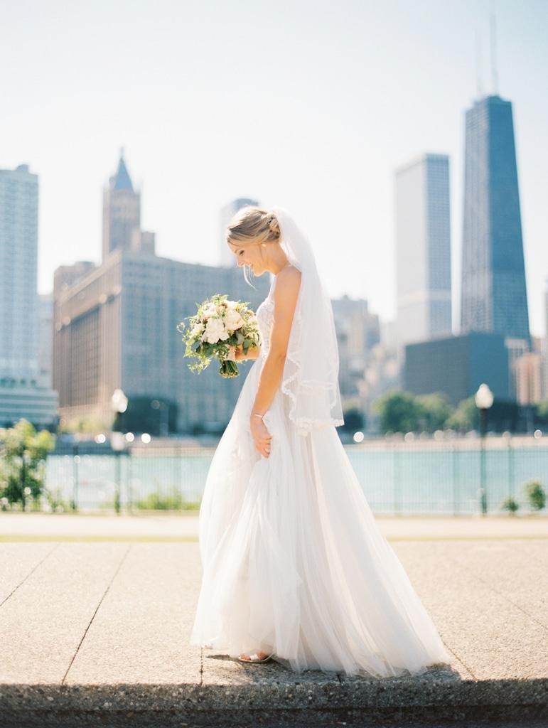 Kristin-La-Voie-Photography-Bridgeport-Art-Center-Chicago-Wedding-Photographer-54