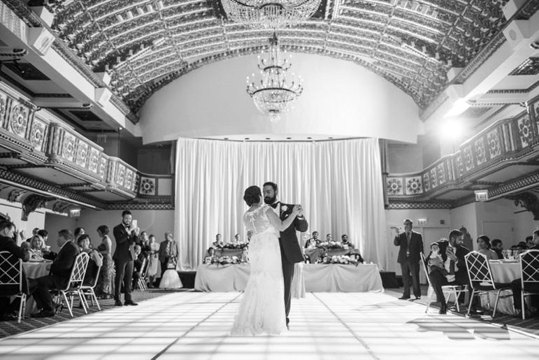 kristin-la-voie-photography-millennium-knickerbocker-chicago-wedding-17