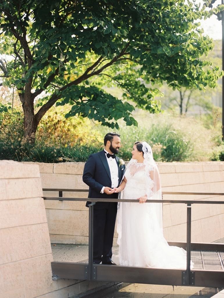 kristin-la-voie-photography-millennium-knickerbocker-chicago-wedding-21