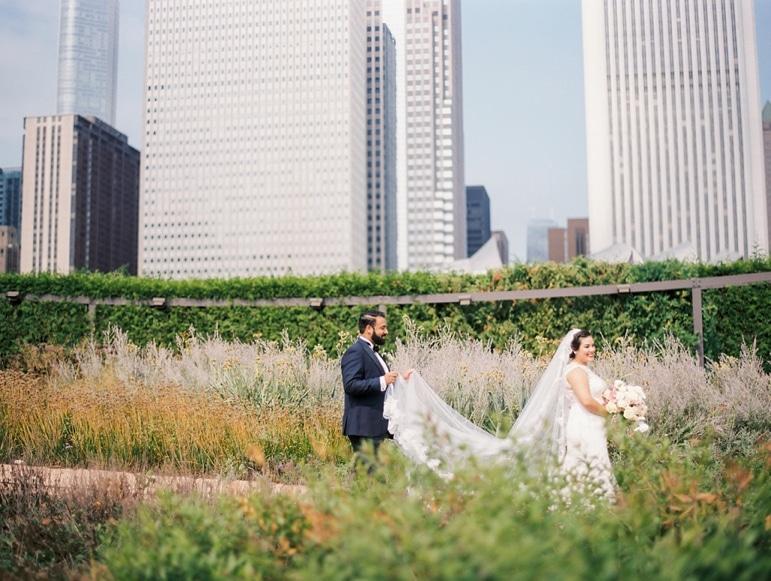 kristin-la-voie-photography-millennium-knickerbocker-chicago-wedding-25