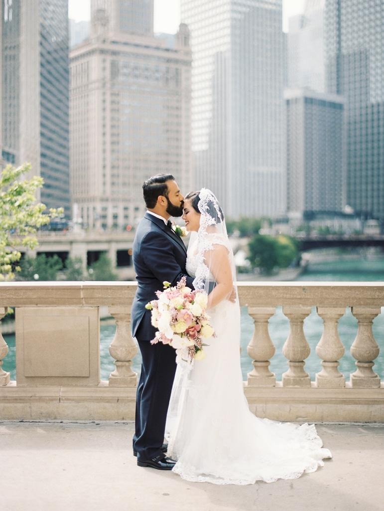 kristin-la-voie-photography-millennium-knickerbocker-chicago-wedding-54