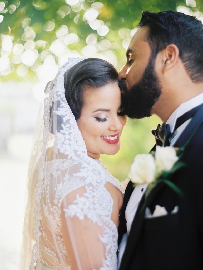 kristin-la-voie-photography-millennium-knickerbocker-chicago-wedding-75