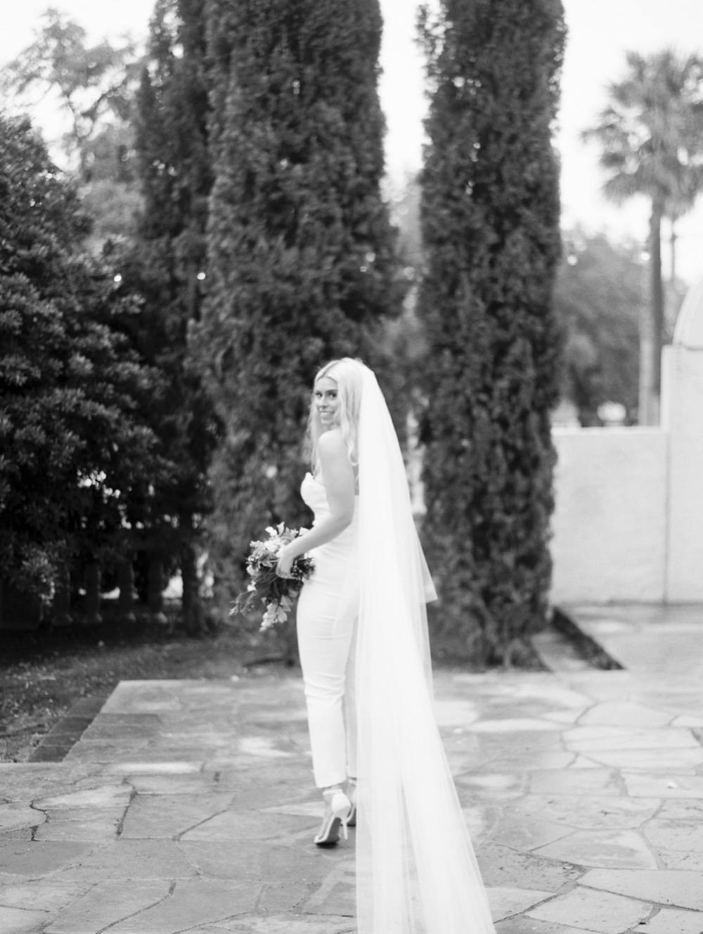 Kristin-La-Voie-Photography-Laguna-Gloria-Austin-Wedding-Photographer-23