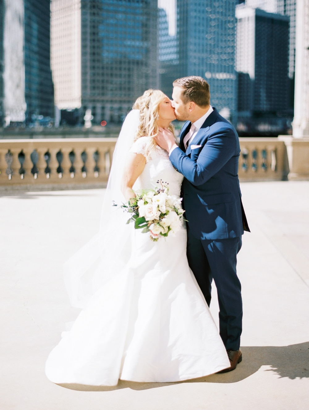 kristin-la-voie-photography-Cafe-Brauer-Chicago-Wedding-Photographer-15