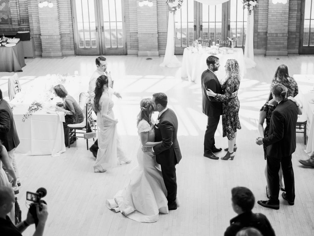 kristin-la-voie-photography-Cafe-Brauer-Chicago-Wedding-Photographer-37