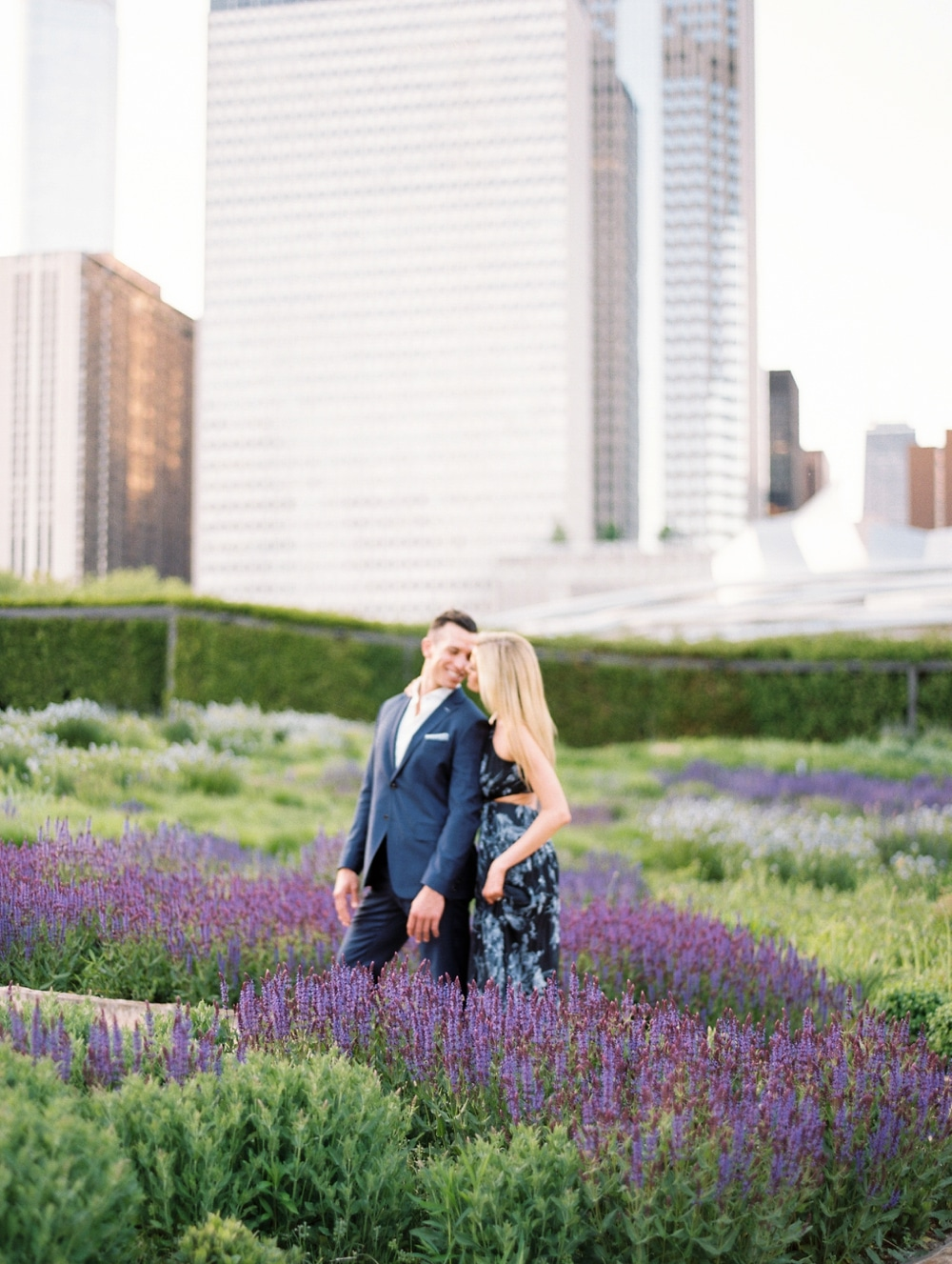 kristin-la-voie-photography-Chicago-Wedding-Photographer-Art-Institute-Lurie-Garden-Millennium-Park-21