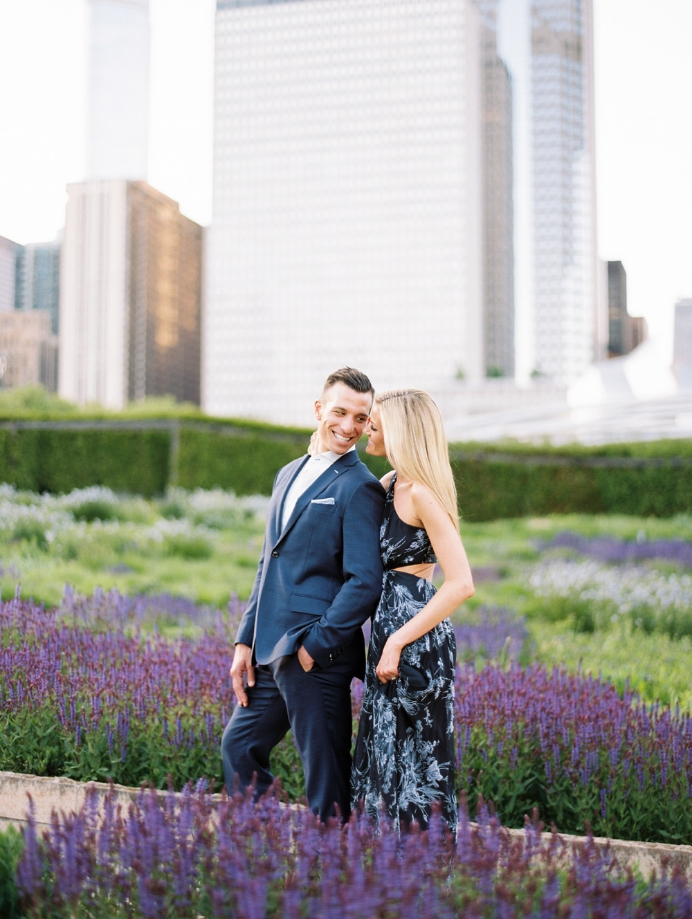 kristin-la-voie-photography-Chicago-Wedding-Photographer-Art-Institute-Lurie-Garden-Millennium-Park-22