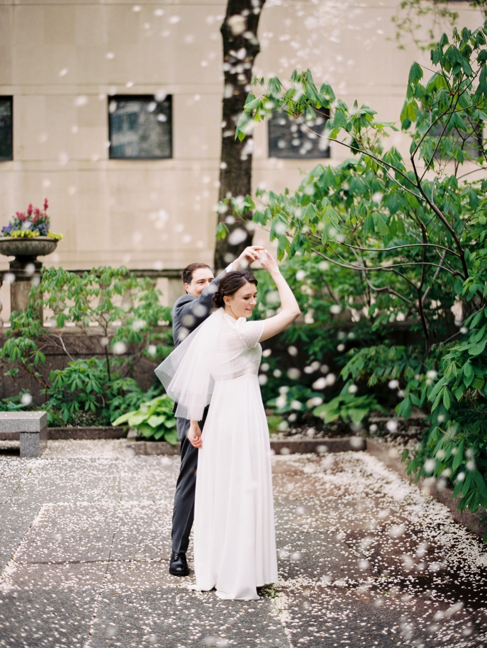 kristin-la-voie-photography-art-institute-of-chicago-wedding-photographer-70