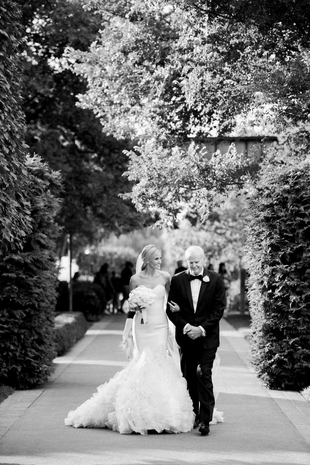 kristin-la-voie-photography-Chicago-Botanic-Garden-Wedding-photographer-rose-terrace-174