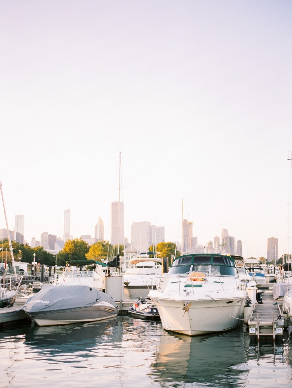 kristin-la-voie-photography-Chicago-wedding-photographer-lake-michigan-sailing-57
