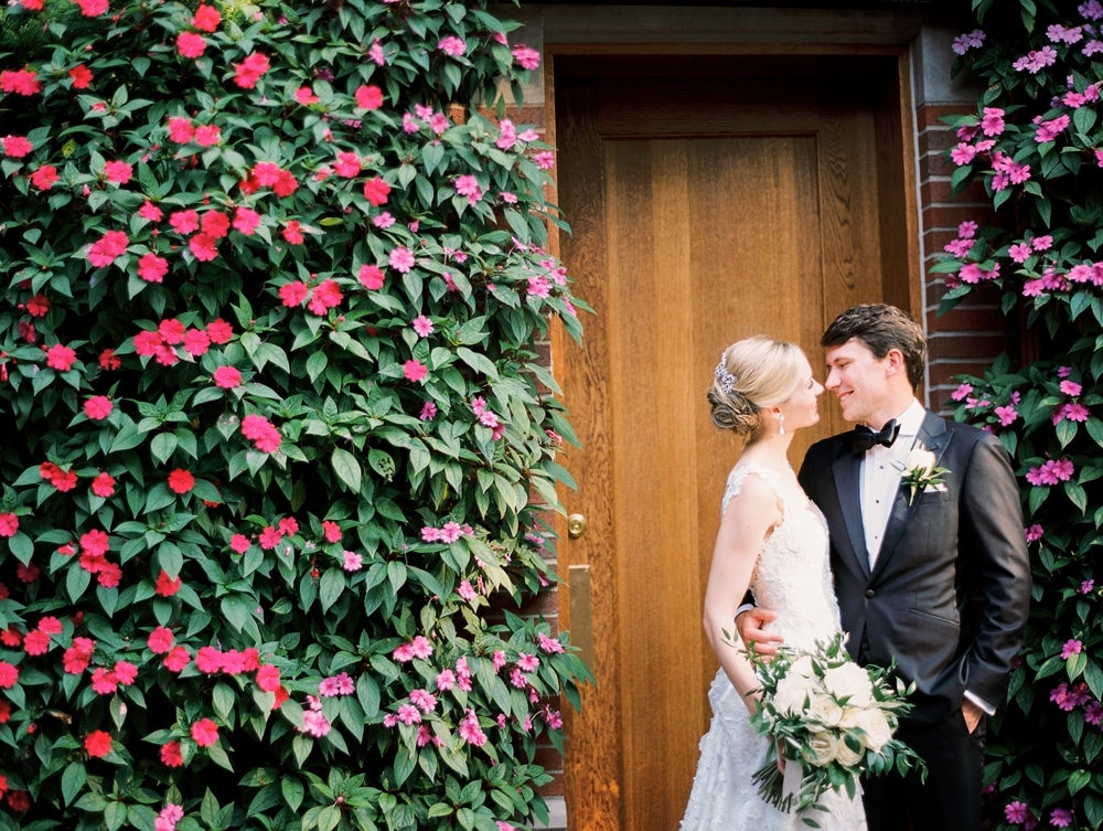 kristin-la-voie-photography-butterfield-country-club-chicago-wedding-photographer-143