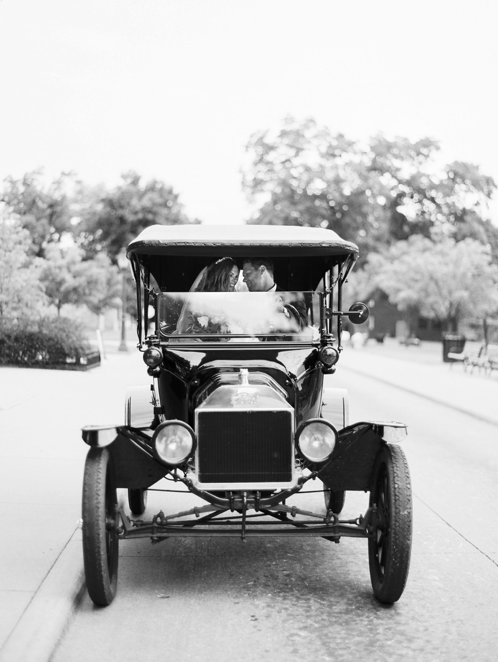 kristin-la-voie-photography-henry-ford-museum-detroit-wedding-photographer-108