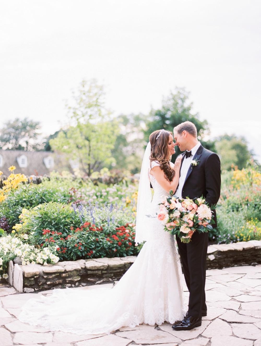 kristin-la-voie-photography-henry-ford-museum-detroit-wedding-photographer-135