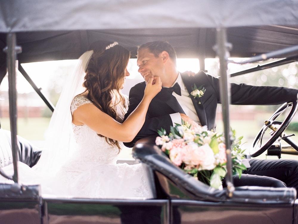kristin-la-voie-photography-henry-ford-museum-detroit-wedding-photographer-145