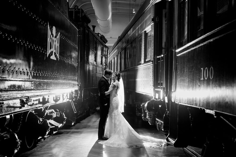 kristin-la-voie-photography-henry-ford-museum-detroit-wedding-photographer-30