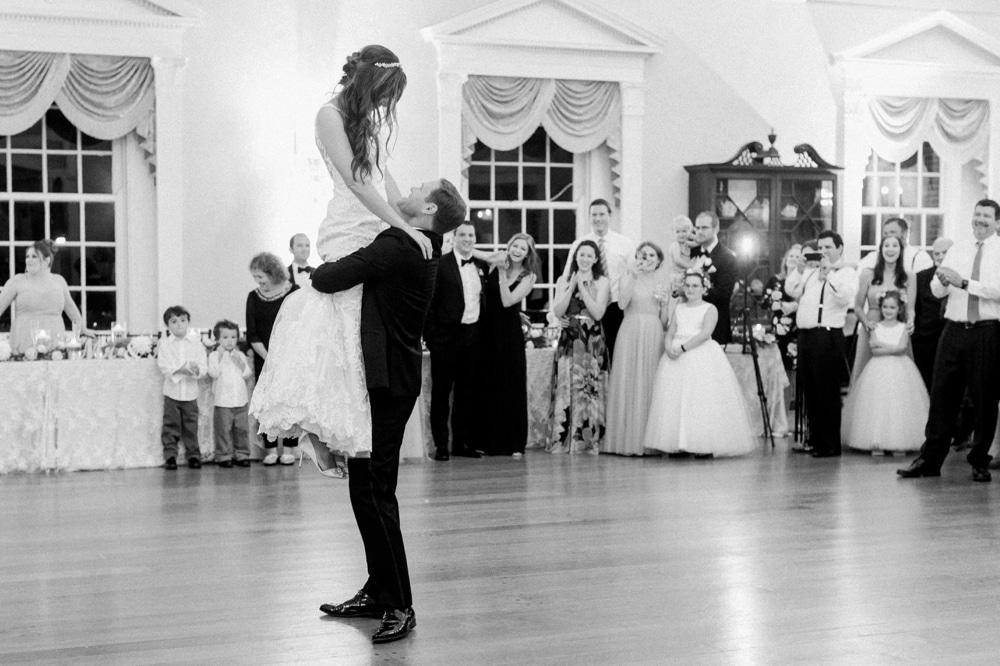 kristin-la-voie-photography-henry-ford-museum-detroit-wedding-photographer-43