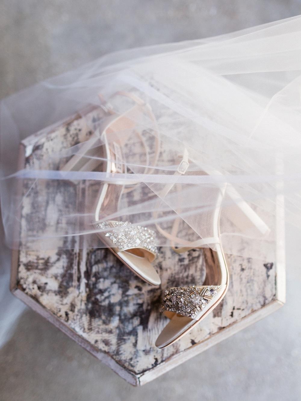 kristin-la-voie-photography-revel-motor-row-chicago-wedding-photographer-2