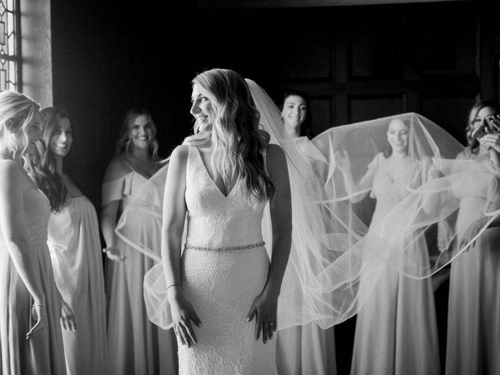 kristin-la-voie-photography-revel-motor-row-chicago-wedding-photographer-22