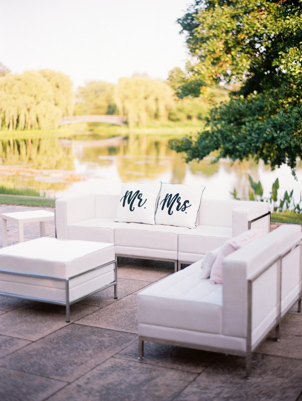 Kristin-La-Voie-Photography-chicago-botanic-garden-wedding-photos-2