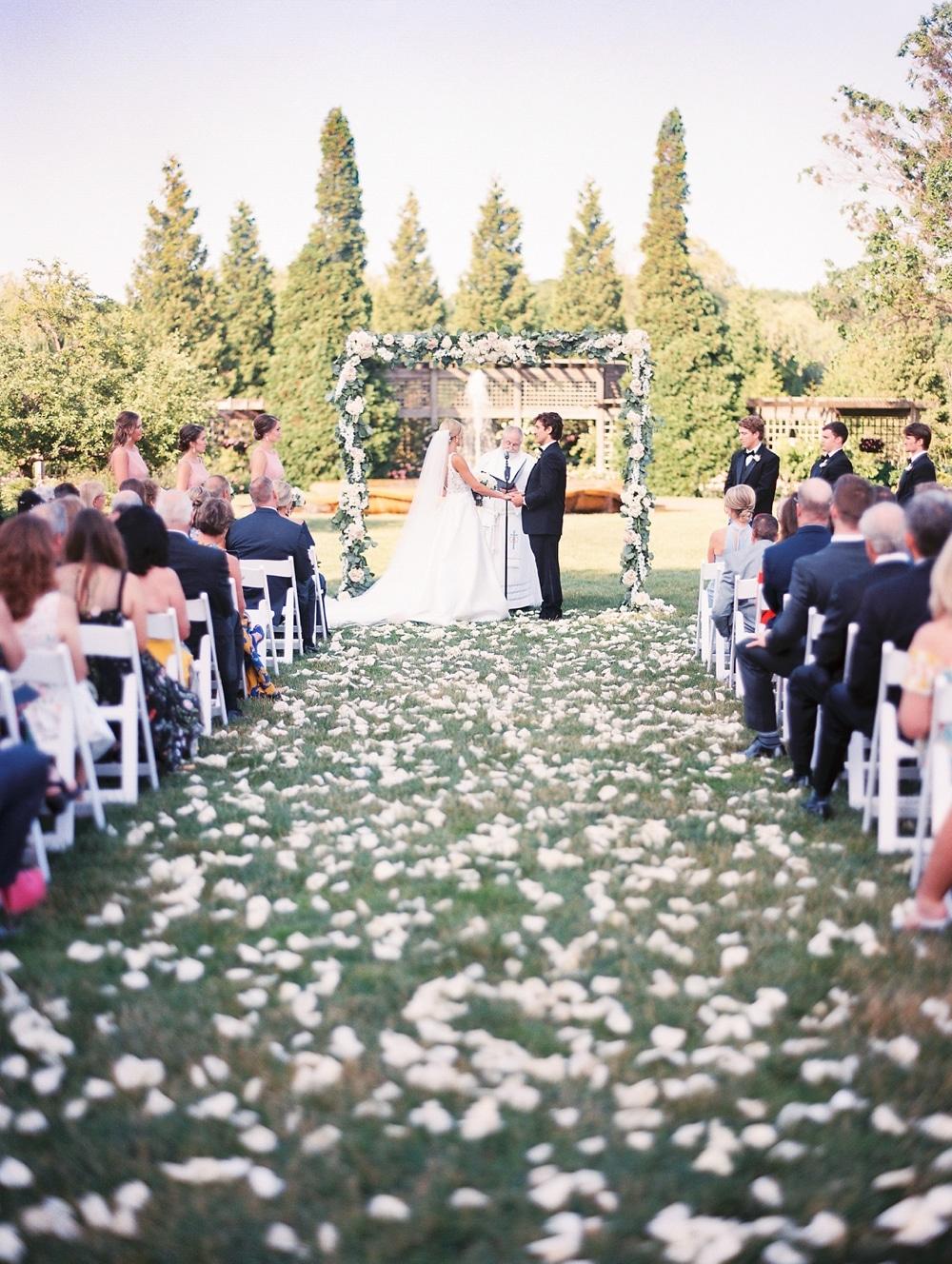 Kristin-La-Voie-Photography-chicago-botanic-garden-wedding-photos-35