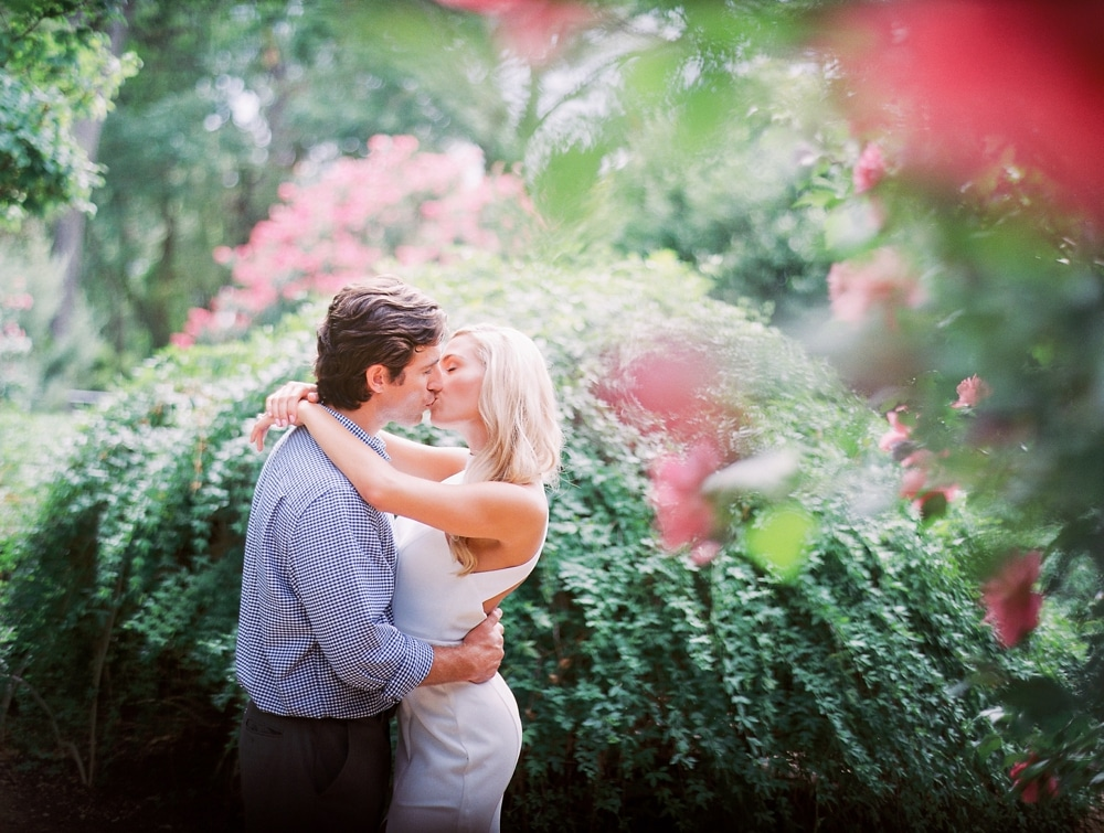 Kristin-La-Voie-Photography-dallas-arboretum-botanical-garden-engagement-photos-7