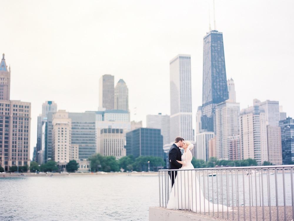 Kristin-La-Voie-Photography-salvatore's-chicago-wedding-photographer-11