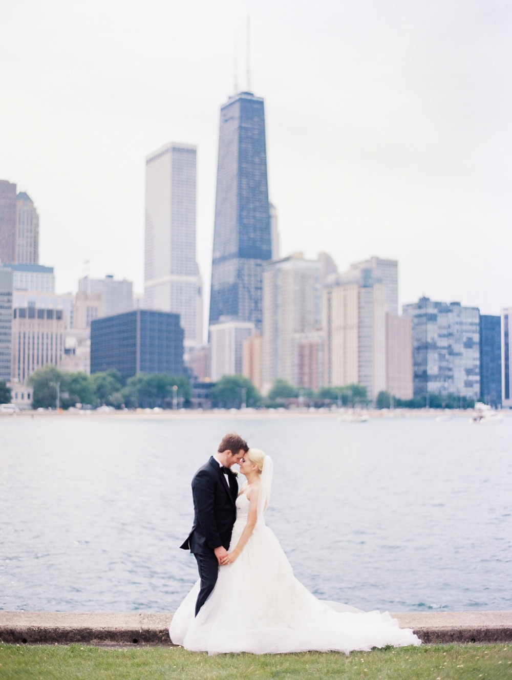 Kristin-La-Voie-Photography-salvatore's-chicago-wedding-photographer-79