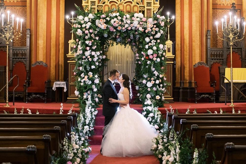 kristin-la-voie-photography-Cincinnati-Music-Hall-Wedding-184
