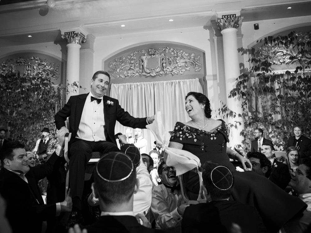 kristin-la-voie-photography-Cincinnati-Music-Hall-Wedding-318