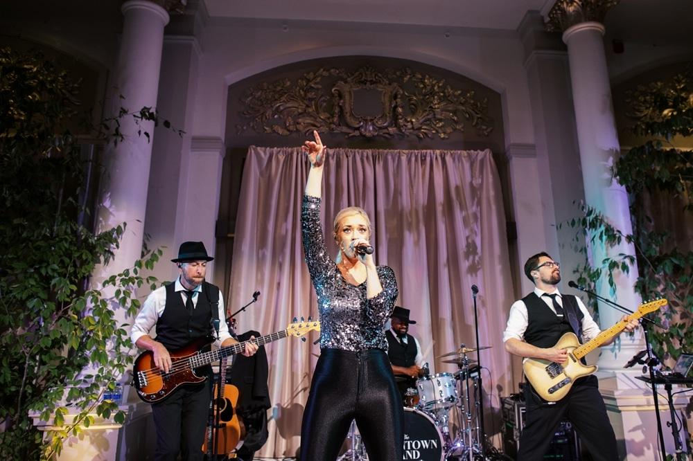 kristin-la-voie-photography-Cincinnati-Music-Hall-Wedding-321