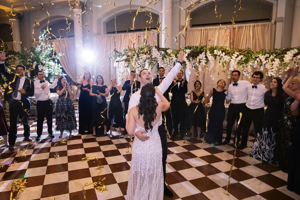 kristin-la-voie-photography-Cincinnati-Music-Hall-Wedding-331